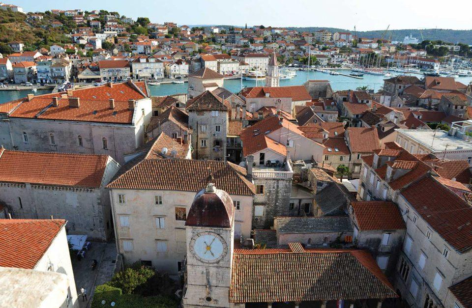Walk tour – Trogir